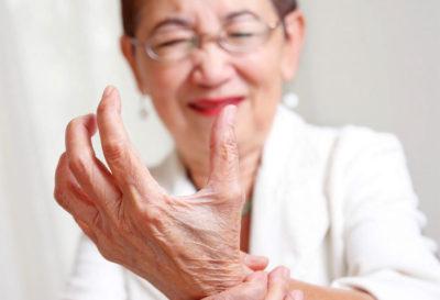 5 alimentos que debes evitar si sufres dolor articular