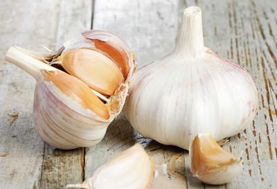 4 antibióticos naturales que no pueden faltar en tu cocina