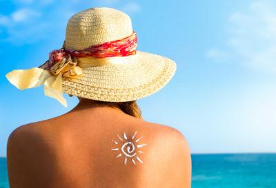 6 alimentos que te ayudarán a proteger la piel del sol