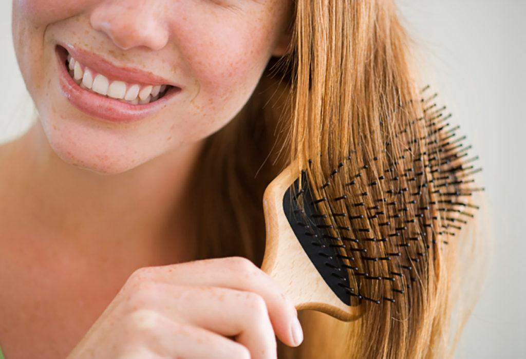 3 hábitos nocturnos que pueden estar dañando tu cabello