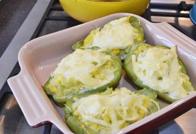 Receta: Chayotes rellenos de queso